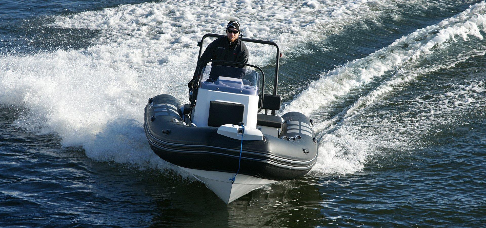 Navigator 485 Support Boat