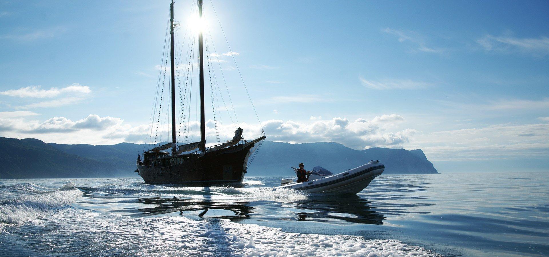 Eagle 480 Boat
