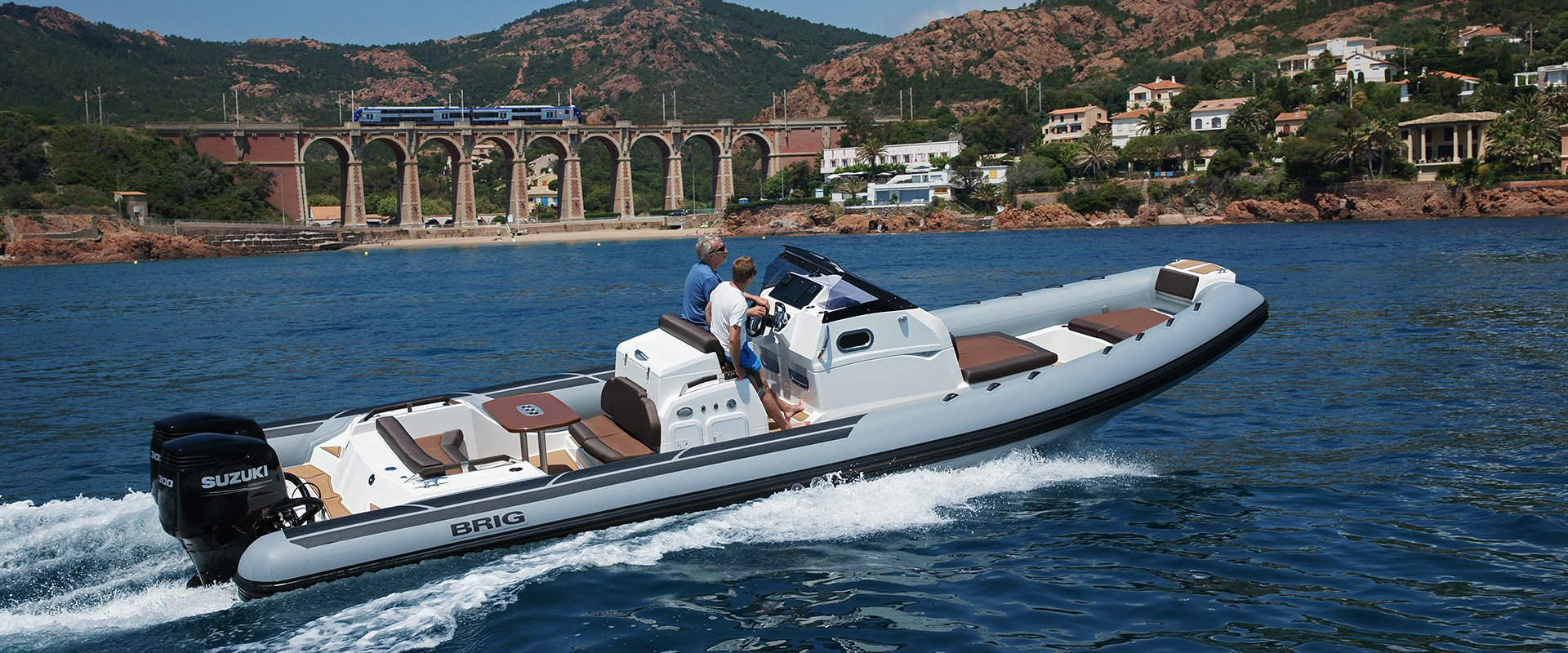 Eagle 10 Luxury Boat